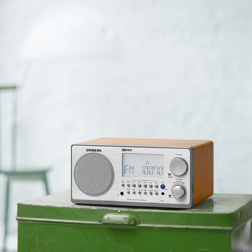 Sangean-WR-2-TableTop-Radio-Can